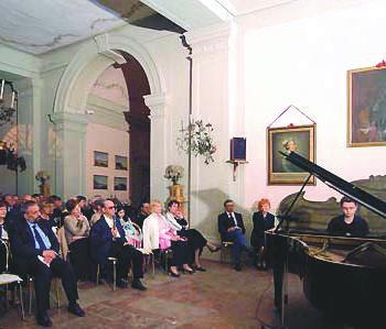 Salone del Castello - VALSAMOGGIA, Loc. Castello di Serravalle - foto di Gabriele Baldazzi